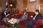 006_Ambassador and Hon.Consul call on H.E Governor Sindh on 24-5-2010